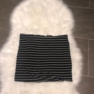 Dresses & Skirts - Black and White H&M basic skirt